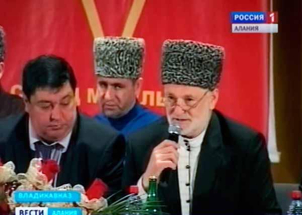 Слева - Сергей Таболов, справа - Хаджимурат Гацалов